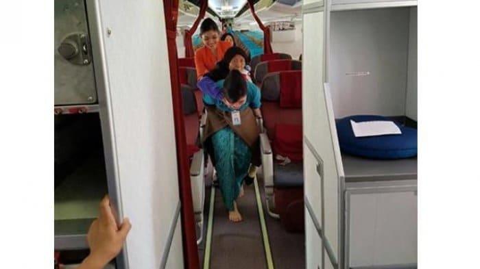Tips Liburan dengan Pesawat, Bagi Anda yang Sudah Berusia Lanjut